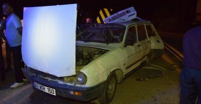 Sakarya'da panelvan ile otomobil çarpıştı: 5 yaralı