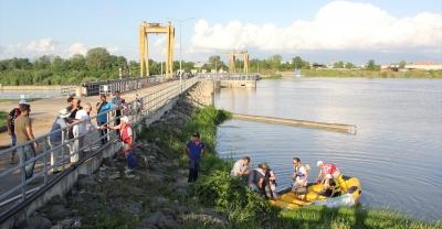 Botla Sakarya Nehri'ni fotoğraflıyorlar