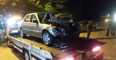 Sakarya'da işçi servisiyle otomobil çarpıştı