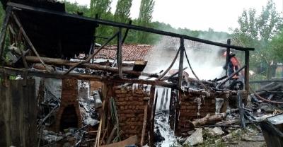 Pamukova'da kuruluk yangını