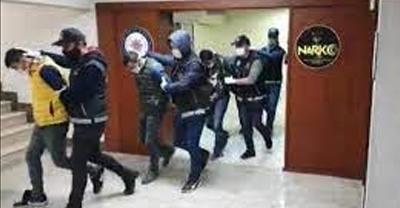 GÜNCELLEME - Sakarya'da uyuşturucu operasyonunda gözaltına alınan 15 şüpheliden 10'u tutuklandı