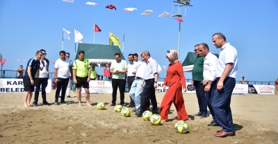 """""""Plaj Futboluna Görkemli Açılış"""""""