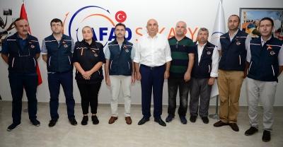 CHP Grup Başkanvekili Özkoç, AFAD gönüllüsü oldu
