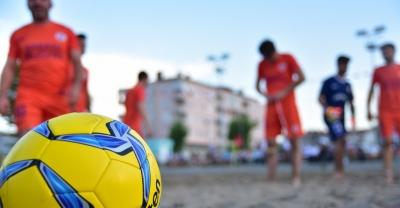 """""""Karasu'da Plaj Futbolu Heyecanı Başlıyor"""""""