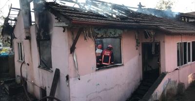 Sakarya'da yangında 1,5 ve 3 yaşındaki iki kardeş öldü