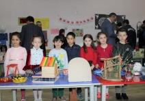 Ferizli'de okul öncesi öğrencilerinden geri dönüşüm sergisi